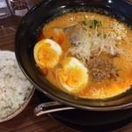 40893659 - スペシャル担々麺/平日サービスのご飯