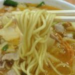 40894362 - 玉子入りの中細ストレート麺