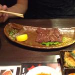 焼肉三松 - 馬のレバ刺し980円です。