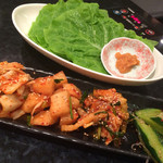 焼肉 南月 - キムチ盛り合わせ&チシャ菜