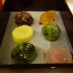 カフェ・ドン バイ スフェラ - 嘯月さんの和菓子が選べます。