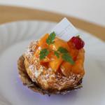 洋菓子庭 木村 - マンゴーとキャラメルパッションのパイ☆