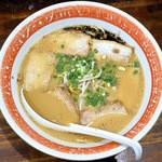 麺屋はち - 料理写真:とんこつラーメン+チャーシュー