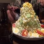 筑前屋 - バカ盛り野菜サラダ580円