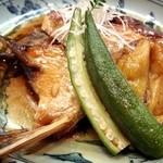 さかえ寿司 - 15.8月 真鯛の兜煮