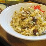 一番鳥 - ピリッと辛いカレーもいいけど、大将の焼飯はやさしい味。