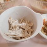 ガーデンレストラン - 「冷しちゃんぽんセット」(1000円)のゴボウサラダ