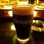 モルツ - ギネス黒。