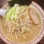 ぶぶか - もやしらーめん 680円 麺大盛 100円