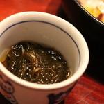 横浜野田岩 - お通しのもずく。酸味が柔らかです
