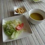40919072 - サラダ、スープ、コーンのおつまみ