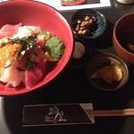 40920103 - ランチの海鮮丼
