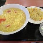 40920470 - トマト入り麺と半チャーハン_2015/08
