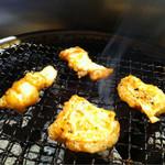 ほるもん倶楽部 あじくら - ほるもん醤油(にんにく醤油味)マスト!