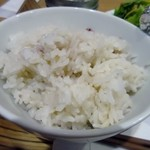 コーデュロイ カフェ -  ランチのご飯は白米と雑穀米が選べました、私は雑穀米を選んでみました