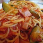 スペイン料理 イビサ - パスタ(ナスとトマト)アップ