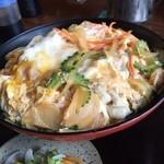 すずひろ - 親子丼  ボリュームたっぷりおいしく頂きました (*´ڡ`●)