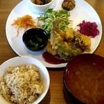 カラコマ - 日替わりの高野豆腐の磯部揚げ