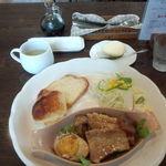 AMI - お肉(豚肉と玉子の角煮)のプレート