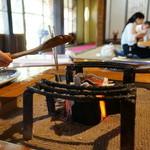 大松家 - へら味噌・・焼いてます。