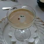 レストラン アンサンブル - トウモロコシの冷製ポタージュ