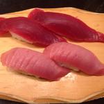 沼津 魚がし鮨 流れ鮨 - マグロの赤身と中トロ
