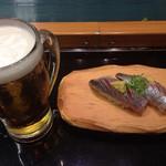 沼津 魚がし鮨 流れ鮨 - 生ビールと地アジの握り