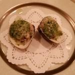 ビストロ・ミカミ - ハマグリの香草パン粉焼き