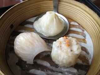 中国料理 カリュウ - 点心シェフのお勧め蒸し点心三種盛り