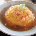 チャイナ食堂彩園 - 料理写真:天津飯からは見事な湯気が!
