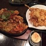 居酒屋YOU家 - ホルモン焼きそば、するめの天ぷらです。