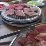 上里牧場 - テーブル上の至福、!