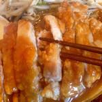 花丘飯店 - 揚げた豚ロースのあんかけ  北京飯に近いです