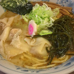 大勝軒 - ちゅら塩 軟骨ソーキのワンタン麺 800円