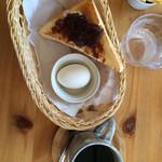カフェ・メールネージュ - 厚切りトーストモーニング