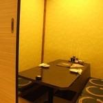 全席個室居酒屋 柚柚~yuyu~ - 扉で仕切られた個室です。落ち着いた空間でおくつろぎください。
