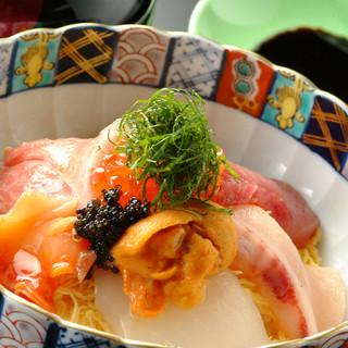 特上海鮮丼…3,500円