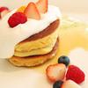 ラルブルヴェール - 料理写真:スフレパンケーキ 地元のフルーツとピスタチオアイス添え