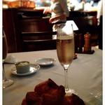 トラットリア グランボッカ - まずはスパークリングで乾杯!