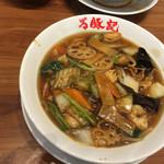 万豚記 - 広東麺は少し甘めの味付けでした。杏仁豆腐は美味しかったです。