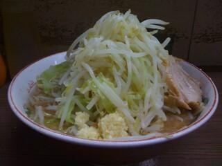 ラーメン二郎 横浜関内店 - 小ラーメン、ヤサイ、ニンニク