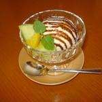 ティーカフェ - アイスクリーム チョコレートソース