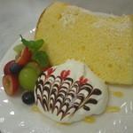 ティーカフェ - シフォンケーキ2