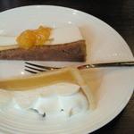 カフェテラス 府内珈琲 - ハーフ&ハーフケーキセット¥850のケーキ。