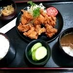芳味亭 - 鶏のから揚げ定食