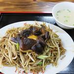 天龍 - 椎茸やきそば850円。