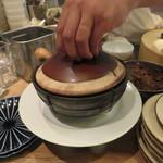 東京チャイニーズ 一凛 - 酔っ払い海老の土鍋蒸し、ナンプラーと葱、唐辛子のソースで6