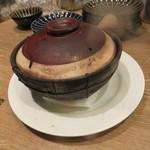 東京チャイニーズ 一凛 - 酔っ払い海老の土鍋蒸し、ナンプラーと葱、唐辛子のソースで7