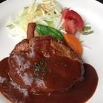 DELI MARKET BERUWALA - 和牛挽肉入りハンバーグ(スープ・サラダ・ライス又はパン付)920円