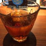 三希房 - 大きめのグラスで烏龍茶